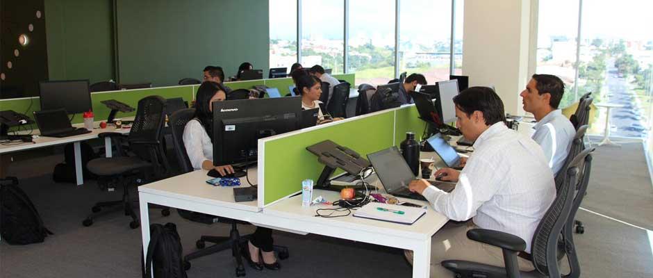 Pfizer inaugura oficinas y abre 160 plazas en finanzas