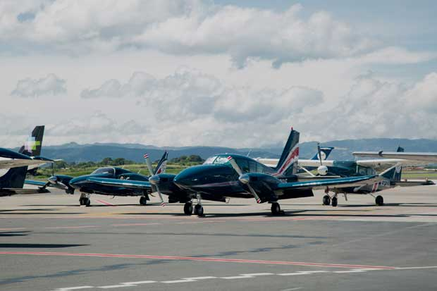 País recibe donación de dos aeronaves para combatir el narcotráfico