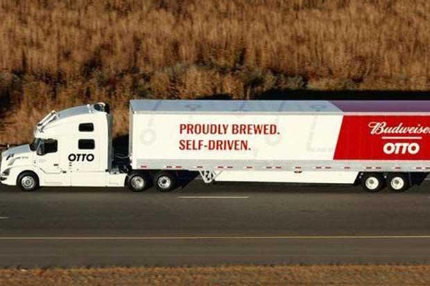 Camión autónomo de Uber transporta carga de cerveza Budweiser en Colorado