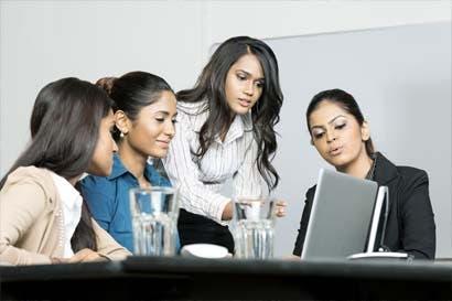 Costa Rica mejora en reducción de brecha de género