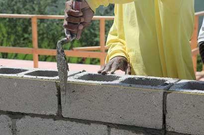 Construcciones menores a ¢2,3 millones no requerirían permisos municipales