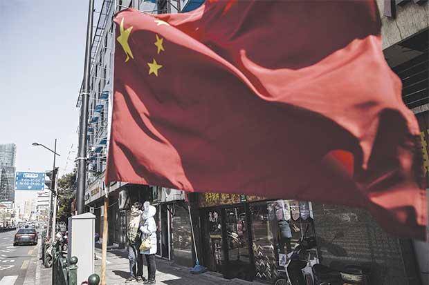 Con economía estable, China se centra en controlar riesgos