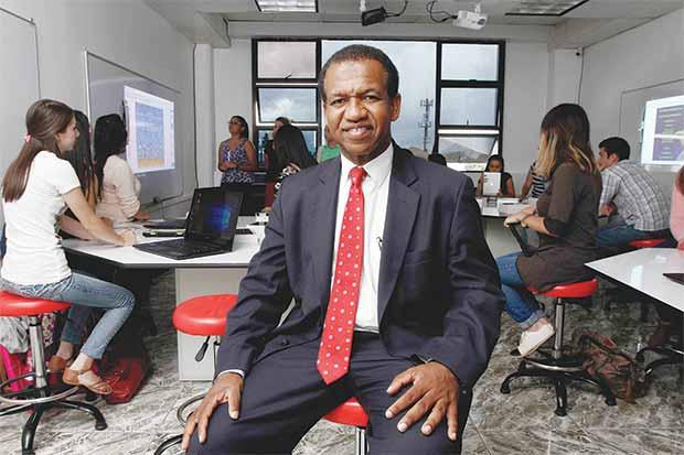 Hispanoamericana innova con laboratorios de alta tecnología