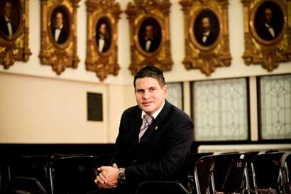 Diez preguntas a Fabricio Alvarado sobre su propuesta de subir penas por aborto