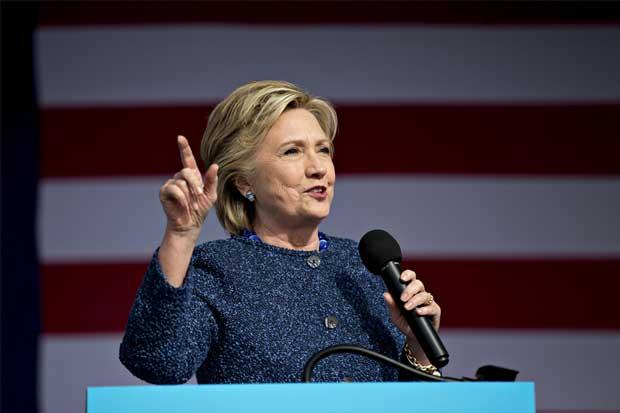 FBI reabre investigación a Clinton por correos electrónicos