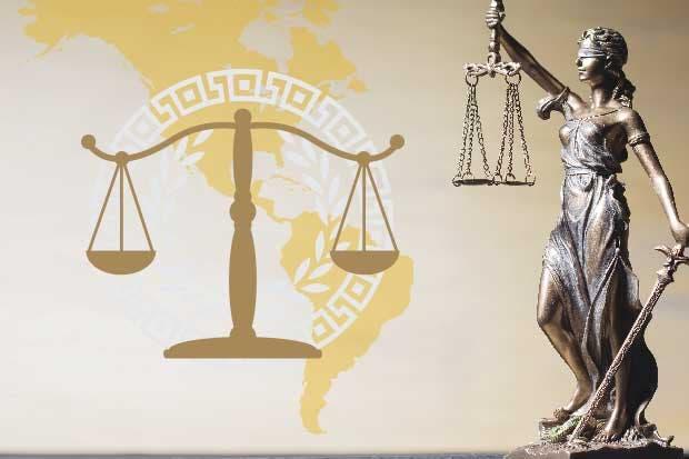 Los expertos en ejercicio del derecho