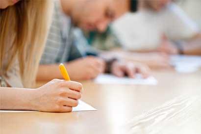 Más de 47 mil estudiantes iniciaron pruebas de bachillerato