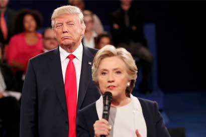 Clinton y Trump se preparan para posible riña poselectoral