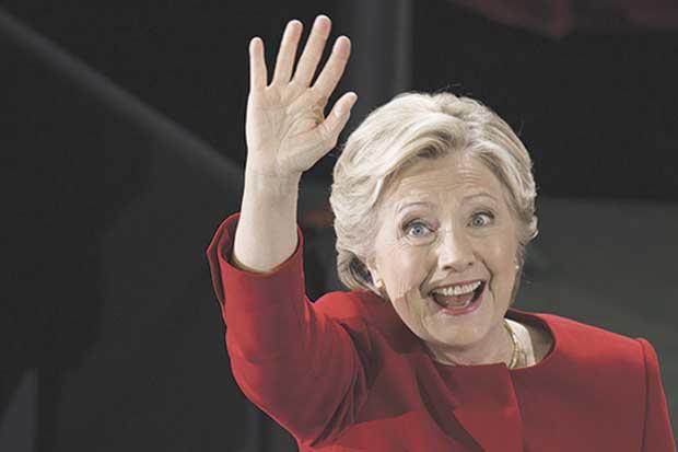 Funcionario judicial habría alertado a colaborador de Clinton