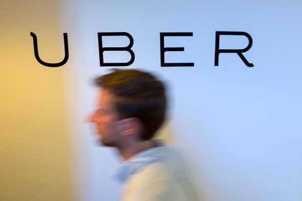 Repartidor de Uber demanda a empresa en Nueva York por propinas