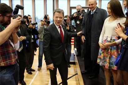 Santos ordena prolongar negociaciones con opositores a acuerdo con FARC