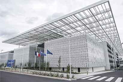 Francia facilita establecimiento de firmas británicas