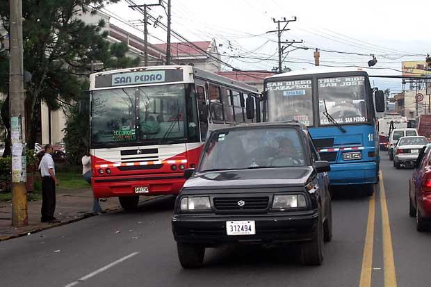 Aresep monitoreará servicio de buses mediante GPS