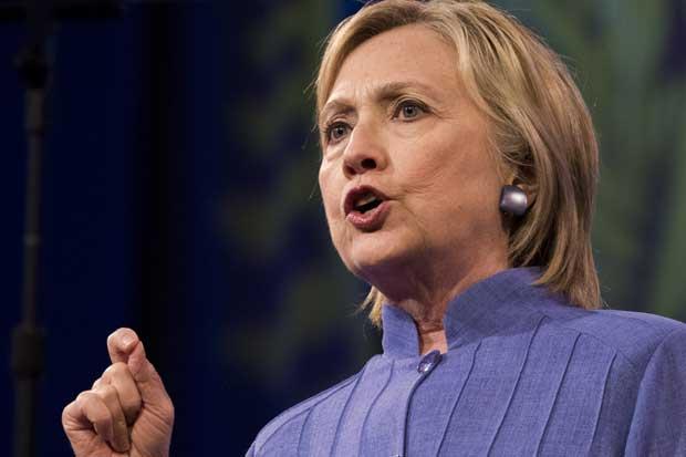 Clinton aventaja por la mínima a Trump