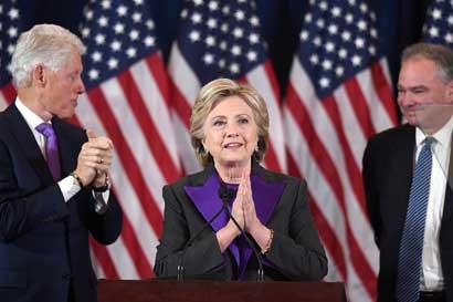 Hillary Clinton: Debemos aceptar los resultados, Trump es nuestro nuevo presidente