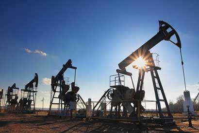 Petróleo sube en Nueva York tras gane de Trump