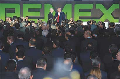 Pemex buscaría socio para refinería con ayuda de Bank of America