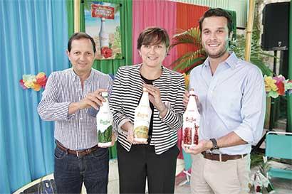 Mezcla nacional para cocteles sale al mercado