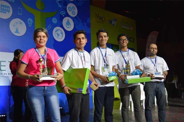 MEP premia a estudiantes por innovaciones en ingeniería