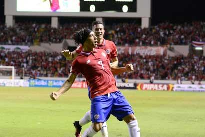 Costa Rica arrebata primeros tres puntos de oro en Trinidad y Tobago