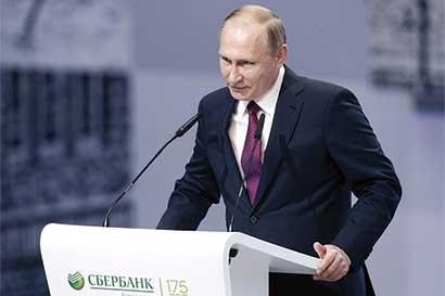 Putin busca impulsar la economía de Rusia con hipotecas
