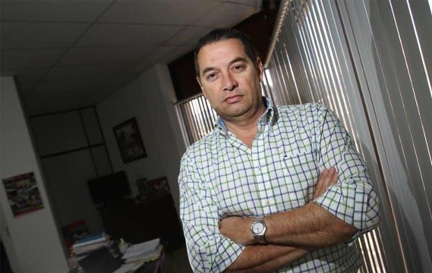 Roberto Thompson da adhesión a precandidatura de Antonio Álvarez