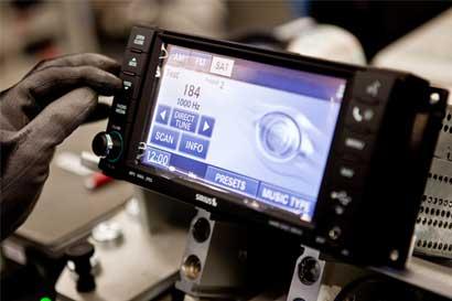 Samsung apuesta por negocio automotor y compra Harman