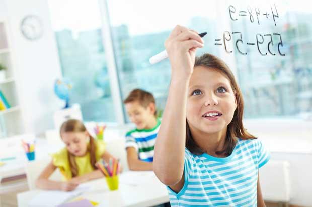 Iniciativa mundial busca reducir brecha de género en ingenierías y matemáticas