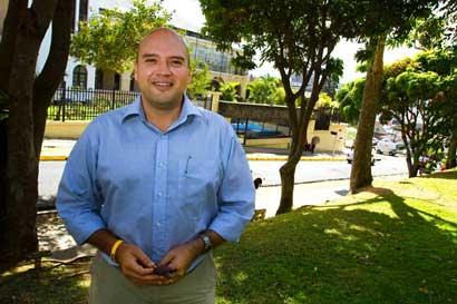 Diputado del Frente Amplio se opone a construcción de megaproyecto en Loma Salitral