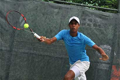 José Olivares, indomable en torneo Future de tenis