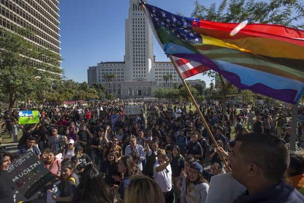 Estudiantes vuelven a protestar contra Trump en Los Ángeles y otras ciudades