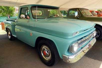 173 vehículos antiguos se exhibirán en Avenida Escazú