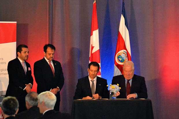Clúster aeroespacial tico se promociona en Canadá