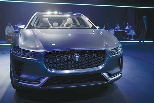 Jaguar reveló su primer vehículo eléctrico