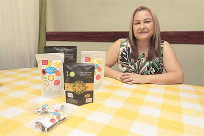 Emprendedora comercializa productos saludables