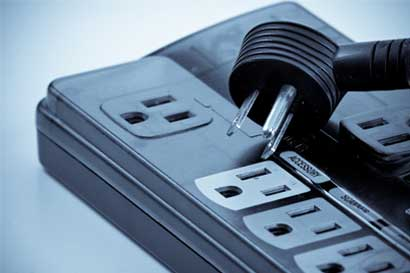 Industriales se oponen a alzas eléctricas