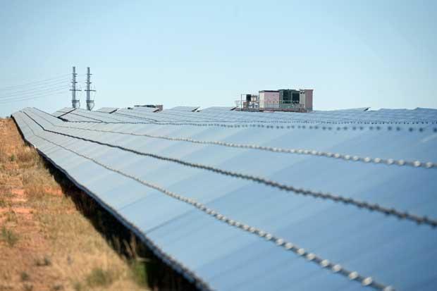 Tesla sella acuerdo de $2 mil millones para comprar SolarCity