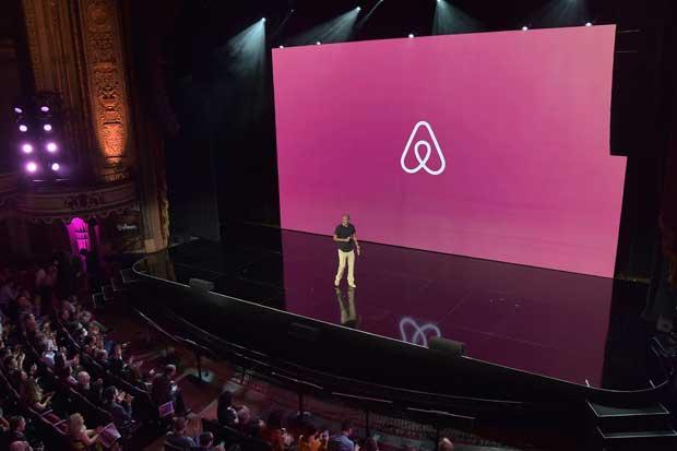 Airbnb lanza nuevos servicios similares a agencia de viajes
