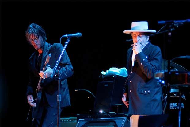 Dylan viajaría a Suecia el próximo año para recibir su premio Nobel