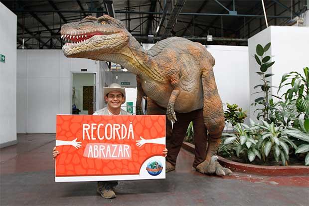 Dinosaurios animatrónicos llegan a City Mall