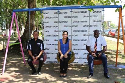Bridgestone y Municipalidad de Limón construyeron parque con llantas recicladas