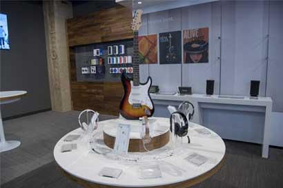 Fender exhorta a sus compradores a no dejar de tocar la guitarra
