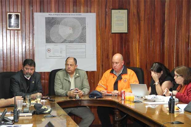 Presidente Solís recomienda a comercios del Sur aplazar el Viernes Negro