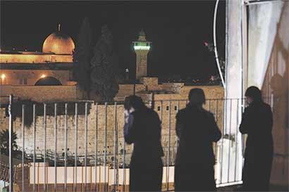 Tensión se aviva en Israel por plan que silenciaría mezquitas