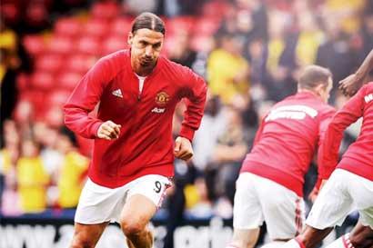 Ibrahimovic renovará por un año más con el Manchester United