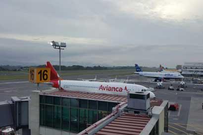 Ocho vuelos cancelados en Aeropuerto Juan Santamaría por tormenta