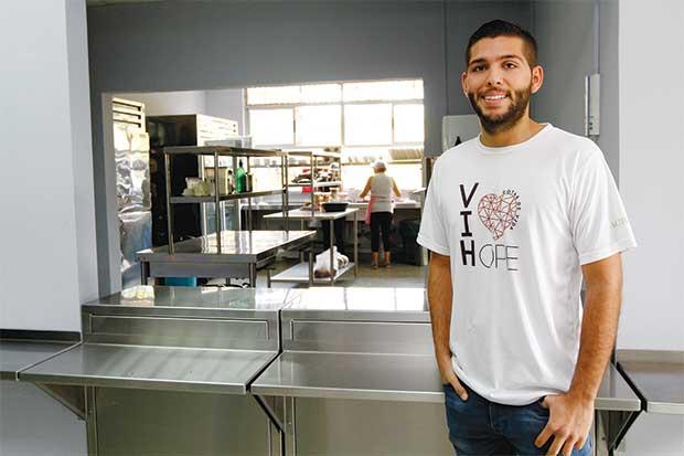 TEC y empresas privadas remodelan hogar para personas con VIH