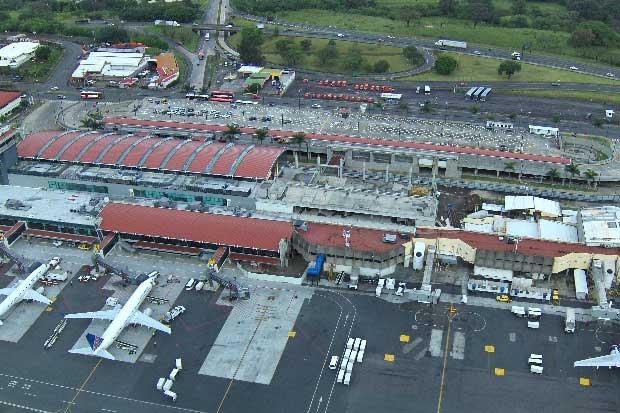 Ocho vuelos cancelados en Aeropuerto Juan Santamaría