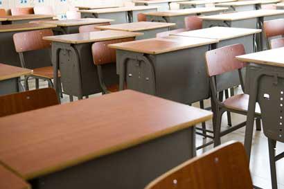 72 centros educativos reanudarán clases mañana