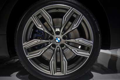 BMW aumenta apoyo a tecnológicas por desafío de coches autónomos